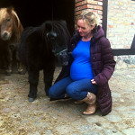 Ciężarna amazonka – czy można jeździć konno w ciąży?